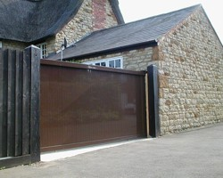 Aluminium sliding gate in the UK