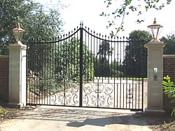 Large steel swing gates Leamington Spa