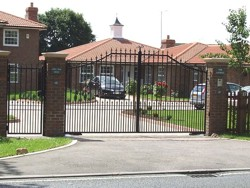 Steel swing gates in Biddenham, Bedfordshire