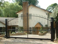 Remote control steel sliding gate