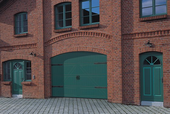 special design timber sectional door from Hormann