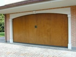 Silverlox VIP timber garage door with non protruding mechanism