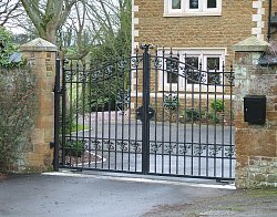 Windsor design From Gate Express range with underground automation