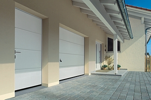 L Ribbed sectional and side door