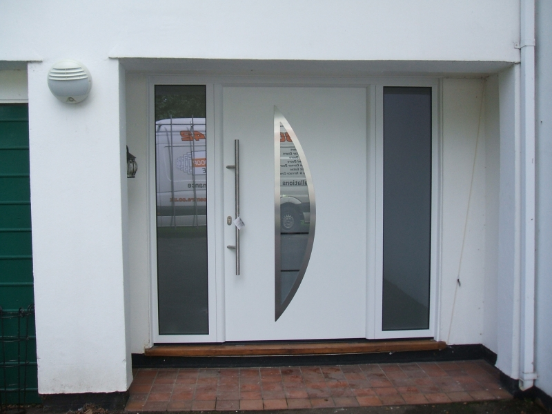 hormann tps 900 white entrance door with windows
