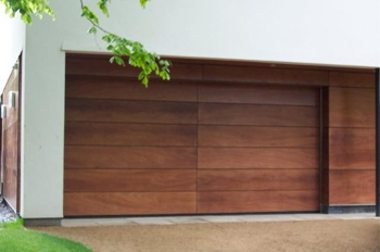 Rundum Meir sectional timber garage door