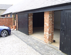 horizontal sliding garage doors