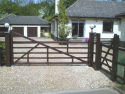 5 Bar timber gate with automation