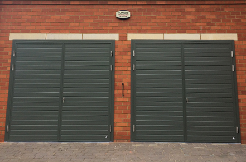 Ryterna Ribbed Side Hinged Garage Door 50/50 split