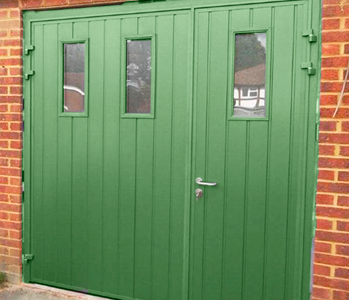 Ryterna side hinged in Green with windows