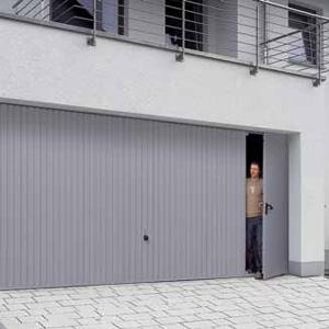Garage doors with pedestrian doors wicket door hormann for Man door in garage door