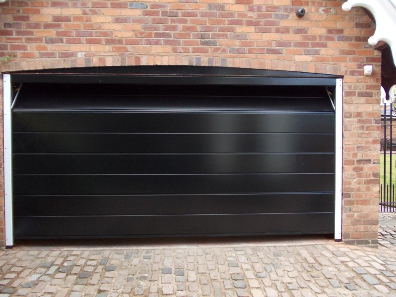 Double Hormann LPU40 M Ribbed steel sectional in black gloss