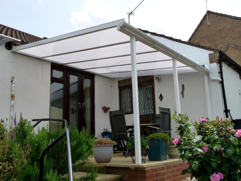 Samson Homestyle terrace cover in white