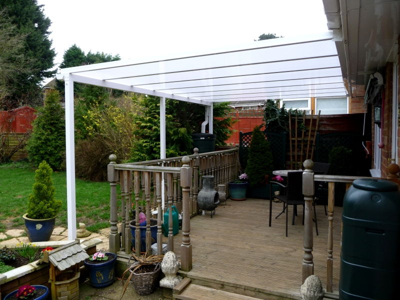 Samson Homestyle terrace cover in white