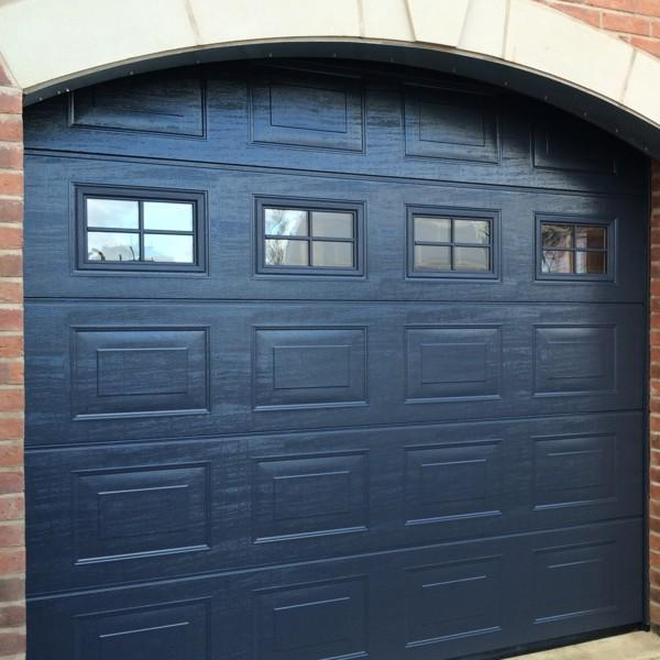 hormann lpu 42 s panelled woodgrain hormann sectional. Black Bedroom Furniture Sets. Home Design Ideas