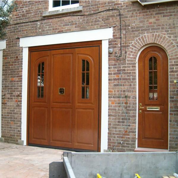 Silvelox Arc With Pedestrian Door Silvelox Bespoke Doors